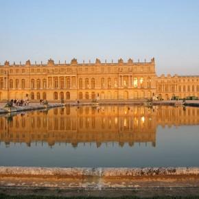 ベルサイユに専制君主、文化の冒涜